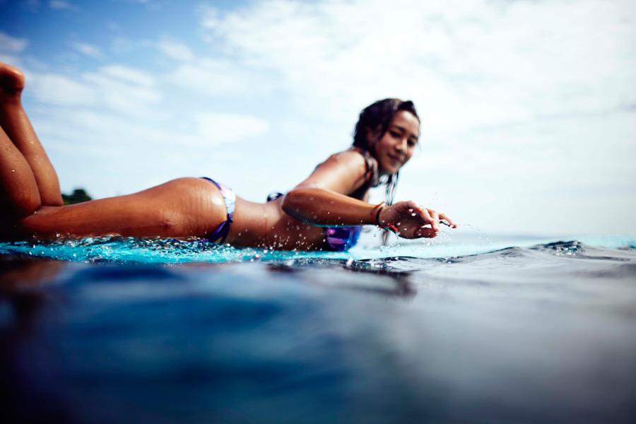 surfing-roxy