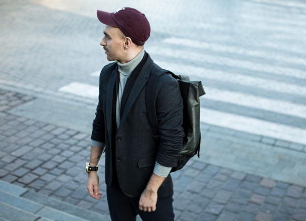 Męska szafa kapsułowa – sprawdź, czy jest dla Ciebie