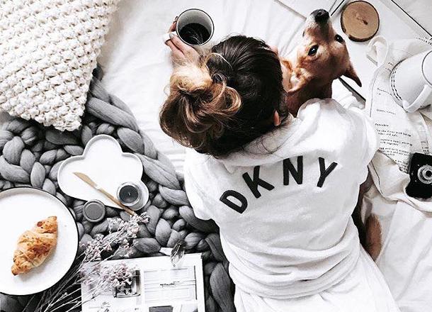 8 rzeczy, które znajdziesz w szafie każdej blogerki modowej