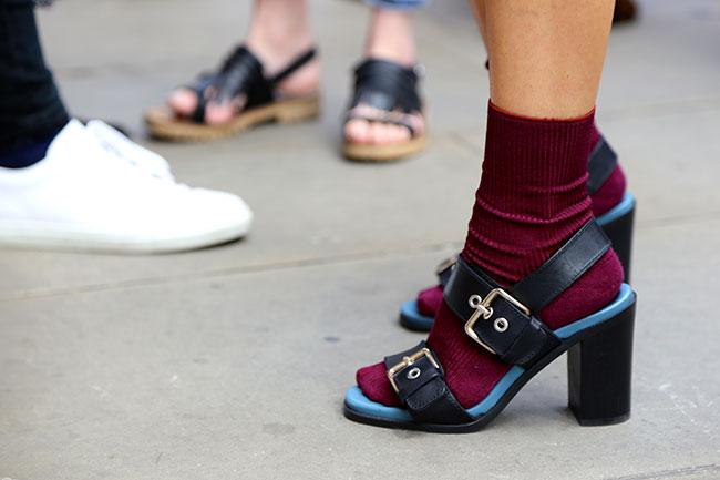 Trend Alert: Skarpetki i sandały