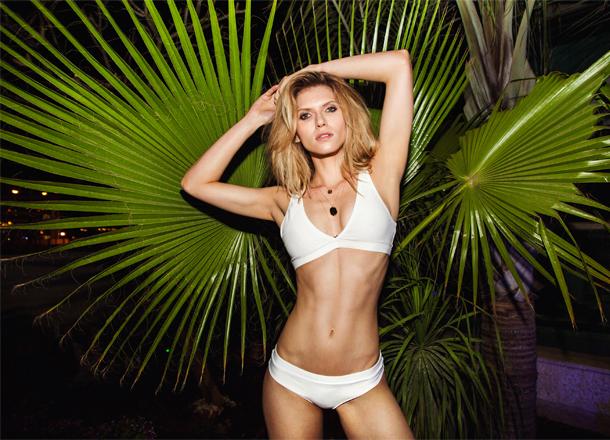 Ready for summer! Stroje kąpielowe i plażowe dodatki marki Answear