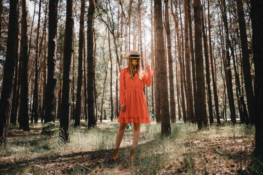pomarańczowe wakacyjne sukienki