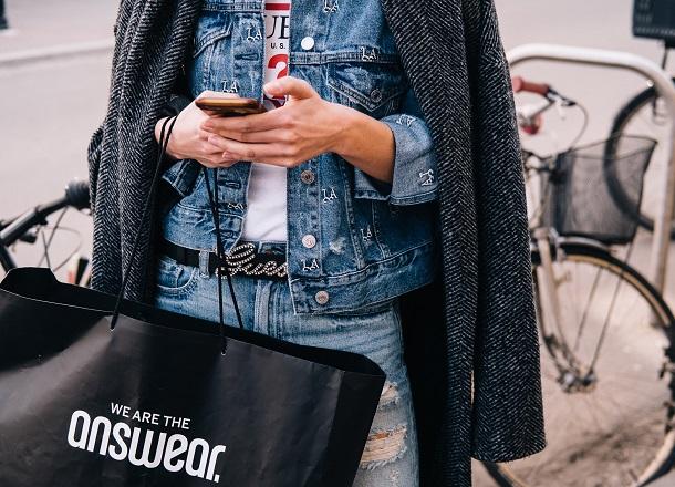 Zaplanuj swoje zakupy – wyprzedaże w listopadzie i grudniu
