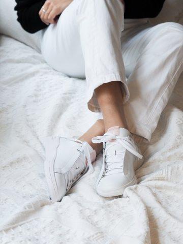 sneakersy po domu
