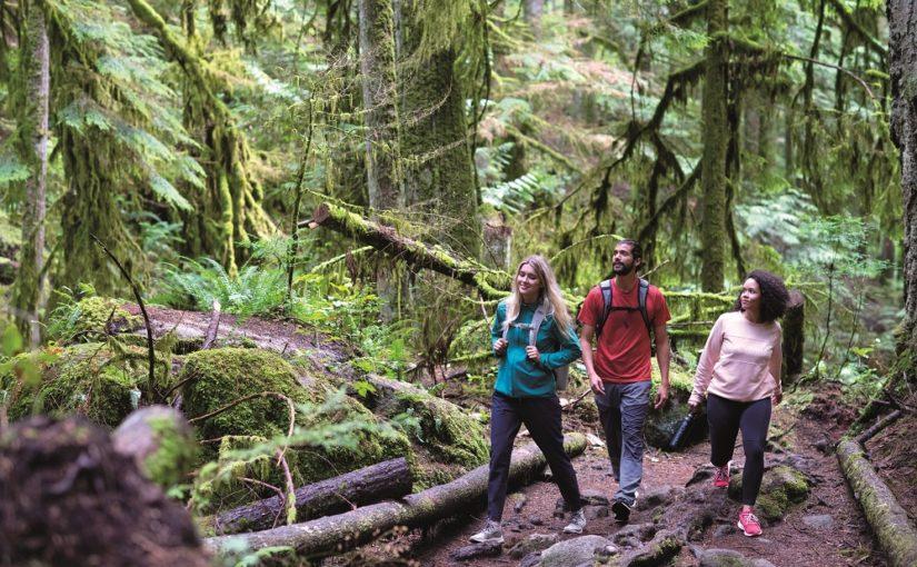 Letni outdoor, czyli jak się ubrać na wycieczkę w góry latem?