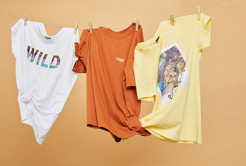 jaki t-shirt na lato