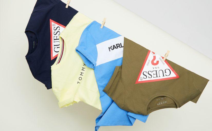 Najmodniejsze koszulki z nadrukiem męskie – podpowiadamy, jakie printy są teraz na topie!