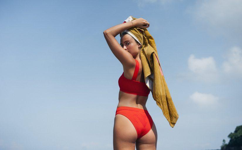 Jak znaleźć idealny strój kąpielowy dla gruszki?