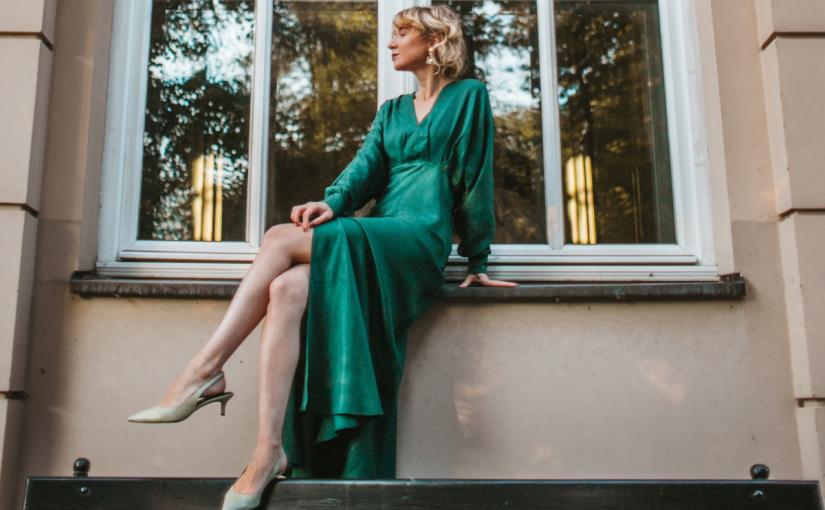 Kobieco i elegancko – 3 sukienki z kolekcji answear.LAB KRÓL, które podkreślą Twoje piękno