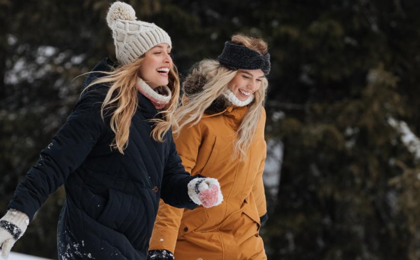Co to jest parka i jak ją nosić? Dowiedz się wszystkiego o idealnym jesiennym okryciu wierzchnim!