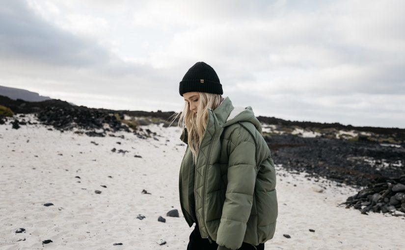 Modne czapki zimowe – 4 typy, które warto mieć w tym sezonie