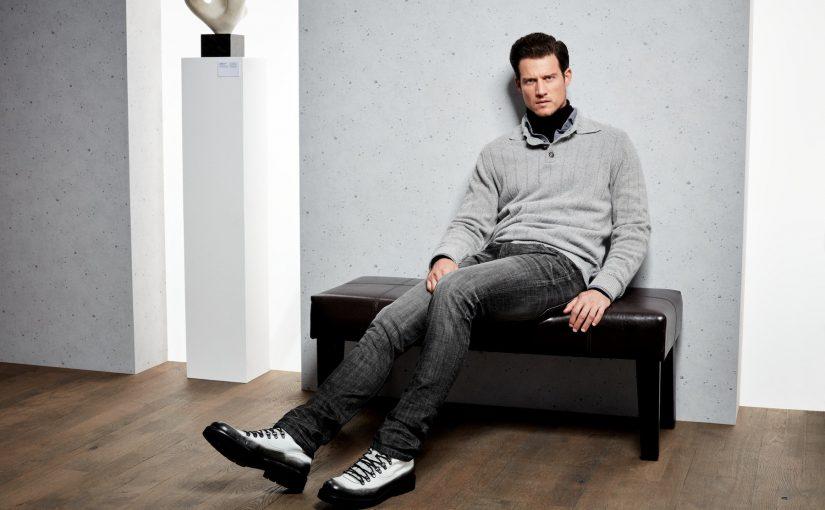 Jak nosić sweter męski? 3 pomysły na stylizacje, które musisz wypróbować