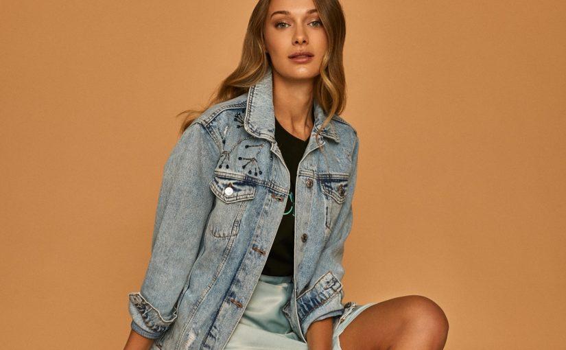 Stylizacje z koszulą jeansową w roli głównej – 3 propozycje od answear.LAB