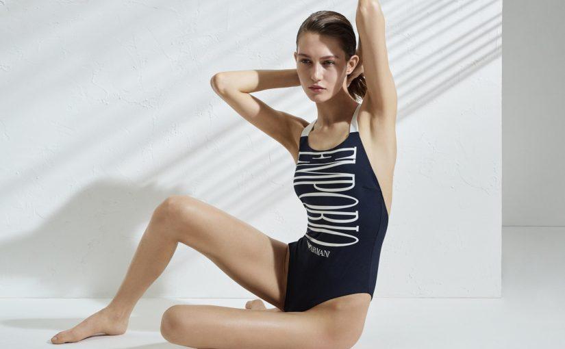 La Dolce Vita od Emporio Armani – najpiękniejsze stroje kąpielowe z logo włoskiego brandu