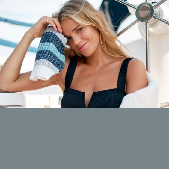 Co spakować nad morze - lista niezbędnych ubrań, dodatków i przydatnych gadżetów